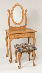 810-Queen-Anne-Narrow-Dressing-Table,-811-Stool