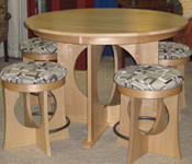 Rossi-Contemporary-Pub-Table-with-Stools